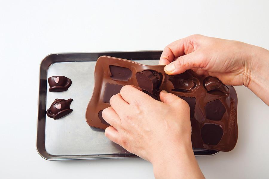 抜き チョコ 型