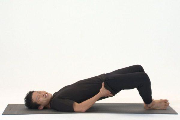 脚長効果も!キュッと上がったお尻になるトレーニング|新田恵斗の後ろ姿美人講座6