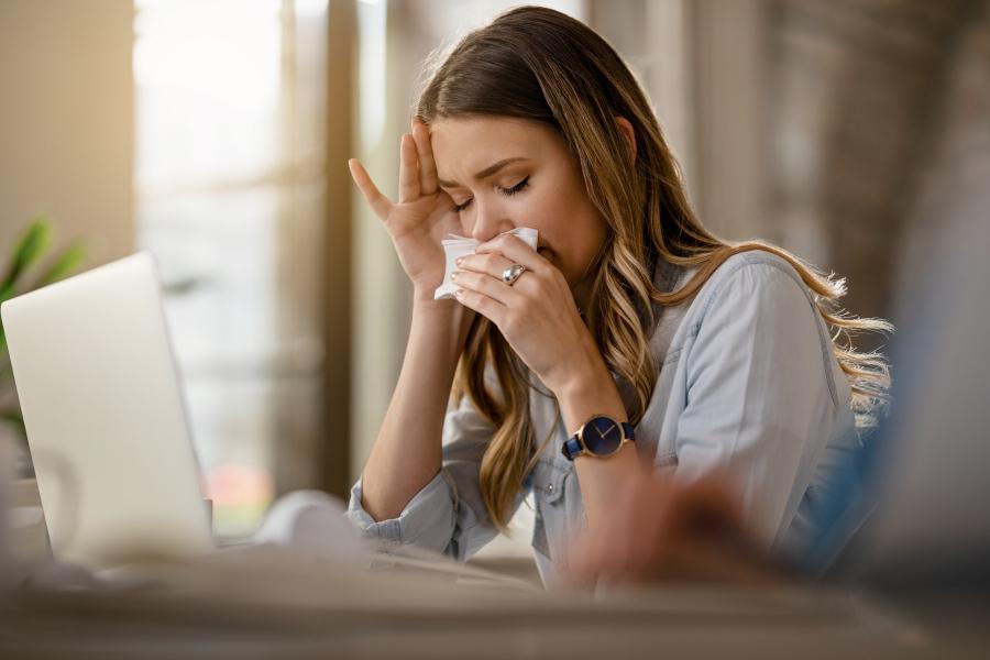 花粉症対策にはビタミンDが効果的!症状を緩和する理由もチェック   YOLO