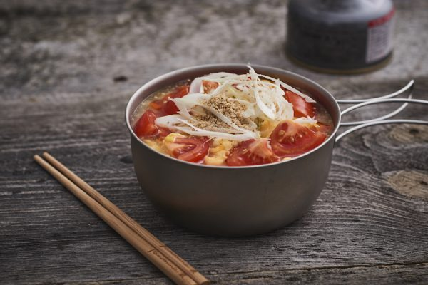 かんたん山ごはん #17 インスタントラーメンで作る「酸辣湯麺」
